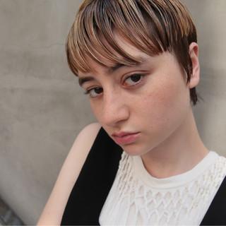 ショート モード ハイライト マッシュ ヘアスタイルや髪型の写真・画像