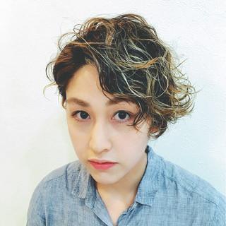 ハイライト ショート アッシュ 外国人風 ヘアスタイルや髪型の写真・画像