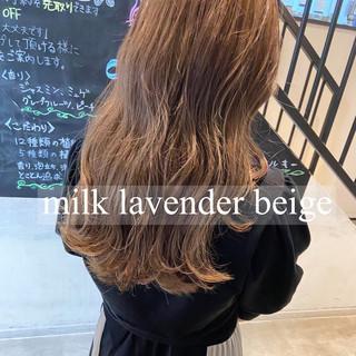 ミルクティーアッシュ ロング ミルクティーベージュ ミルクティー ヘアスタイルや髪型の写真・画像