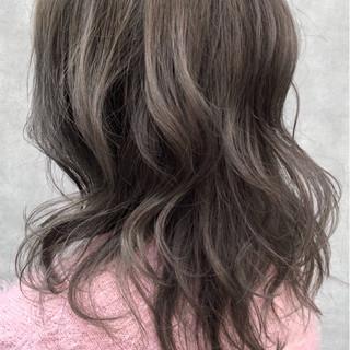 ゆるふわ セミロング ウェーブ ナチュラル ヘアスタイルや髪型の写真・画像