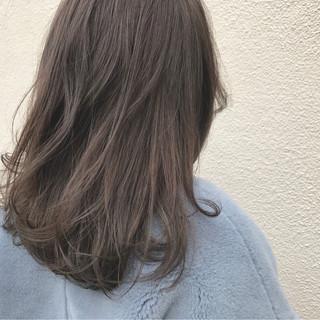 外国人風 ナチュラル グレージュ セミロング ヘアスタイルや髪型の写真・画像