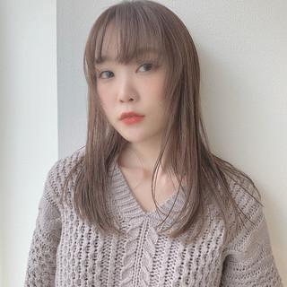 インナーカラー ロング グレージュ ナチュラル ヘアスタイルや髪型の写真・画像