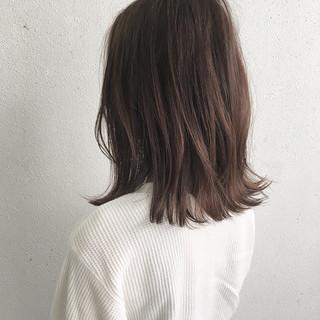 春 ロブ グレージュ ミディアム ヘアスタイルや髪型の写真・画像