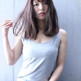 フェミニン ワイドバング ピュア 外国人風 ヘアスタイルや髪型の写真・画像