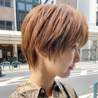 ヌーディベージュ ショート ショートヘア ナチュラル ヘアスタイルや髪型の写真・画像