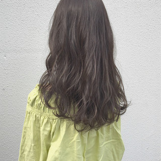 アンニュイ ロング 外国人風カラー グレージュ ヘアスタイルや髪型の写真・画像
