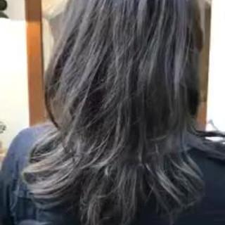 ゆるふわ 抜け感 オフィス ミディアム ヘアスタイルや髪型の写真・画像