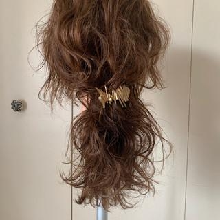 セミロング 波ウェーブ ゆるふわ ナチュラル ヘアスタイルや髪型の写真・画像