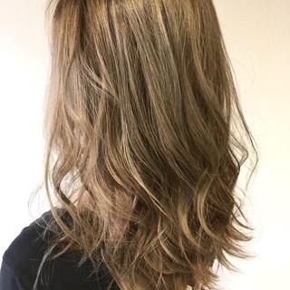 ハイライト ハイトーン ロング ナチュラル ヘアスタイルや髪型の写真・画像