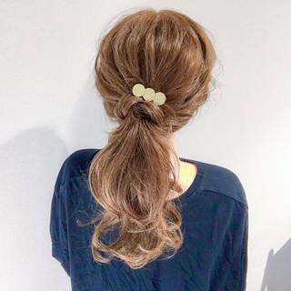 オフィス セミロング ヘアアレンジ ナチュラル ヘアスタイルや髪型の写真・画像