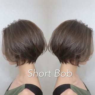 ショートヘア ナチュラル ハンサムショート ショートボブ ヘアスタイルや髪型の写真・画像