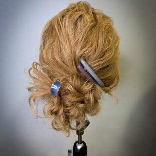 アンニュイ ヘアアレンジ シニヨン ナチュラル ヘアスタイルや髪型の写真・画像
