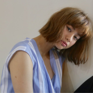 こなれ感 ウェーブ アンニュイ ミディアム ヘアスタイルや髪型の写真・画像