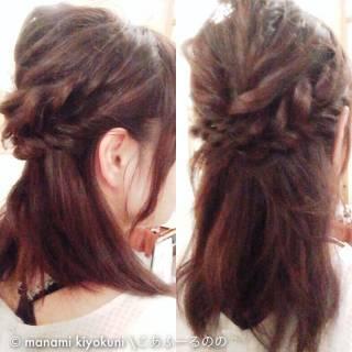 ヘアアレンジ セミロング ロープ編み ハーフアップ ヘアスタイルや髪型の写真・画像