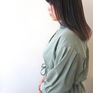 ダークトーン ダークグレー セミロング ダークカラー ヘアスタイルや髪型の写真・画像