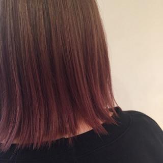 ピンク ガーリー 切りっぱなし ボブ ヘアスタイルや髪型の写真・画像