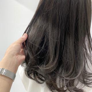 セミロング ナチュラル グレージュ 美髪 ヘアスタイルや髪型の写真・画像