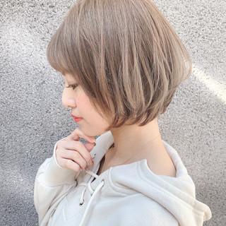 簡単ヘアアレンジ 小顔 フェミニン ショート ヘアスタイルや髪型の写真・画像