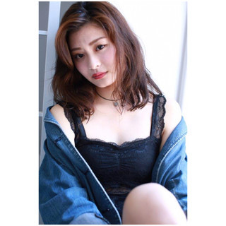 アンニュイ セクシー 色気 ウェーブ ヘアスタイルや髪型の写真・画像