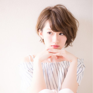 大人かわいい ショート ガーリー ミルクティー ヘアスタイルや髪型の写真・画像