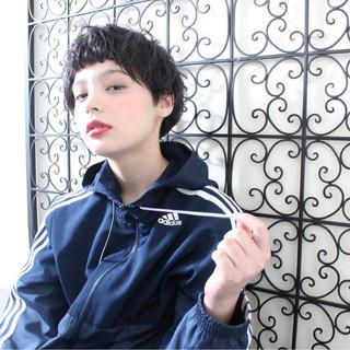 リラックス パーマ デート アウトドア ヘアスタイルや髪型の写真・画像