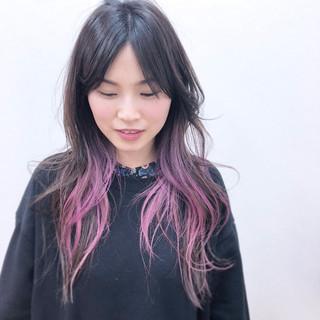 ゆるふわ アンニュイ インナーカラー ブリーチ ヘアスタイルや髪型の写真・画像