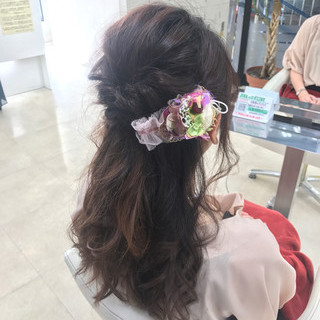 ねじり ナチュラル くるりんぱ 結婚式 ヘアスタイルや髪型の写真・画像