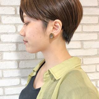 ショートヘア ショートボブ ベージュカラー ナチュラル ヘアスタイルや髪型の写真・画像