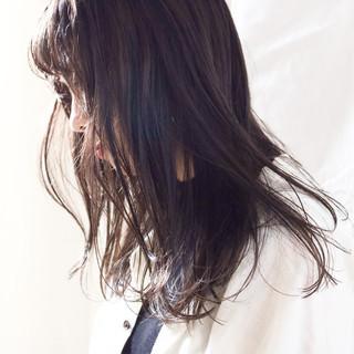 ナチュラル アンニュイほつれヘア 簡単ヘアアレンジ ミルクティーベージュ ヘアスタイルや髪型の写真・画像