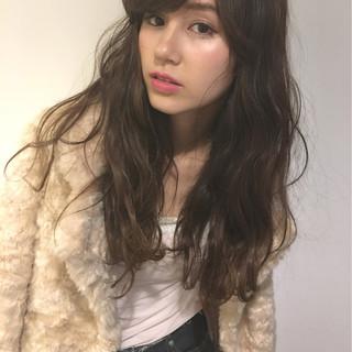 ガーリー 外国人風 アッシュ パーマ ヘアスタイルや髪型の写真・画像