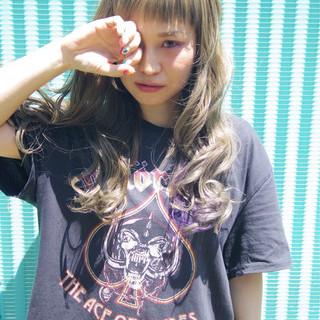 ストリート インナーカラー リラックス オン眉 ヘアスタイルや髪型の写真・画像