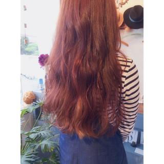 ブリーチ ピンク イルミナカラー ロング ヘアスタイルや髪型の写真・画像