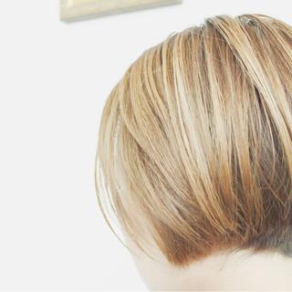 ヘアアレンジ ハイトーン 透明感 秋 ヘアスタイルや髪型の写真・画像