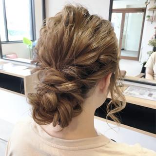 ヘアアレンジ 編み込み セミロング 波ウェーブ ヘアスタイルや髪型の写真・画像