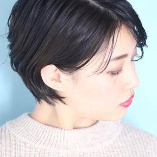 白髪染め 黒髪 ショート ナチュラル ヘアスタイルや髪型の写真・画像