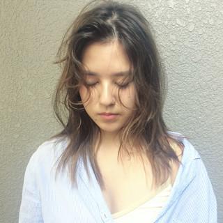 パーマ デート セミロング ナチュラル ヘアスタイルや髪型の写真・画像