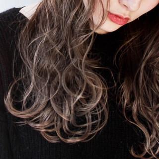 ストリート 外国人風 ロング ハイライト ヘアスタイルや髪型の写真・画像