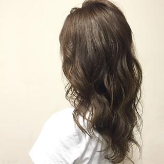 グラデーションカラー ハイライト セミロング グレージュ ヘアスタイルや髪型の写真・画像
