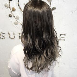 ウェーブ ゆるふわ ガーリー ロング ヘアスタイルや髪型の写真・画像