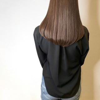 うる艶カラー マットグレージュ 艶カラー ナチュラル ヘアスタイルや髪型の写真・画像