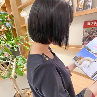 ブルージュ ミニボブ 透明感カラー グレージュ ヘアスタイルや髪型の写真・画像