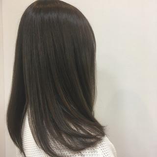 上品 アッシュグレージュ アッシュ ロング ヘアスタイルや髪型の写真・画像