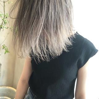 外国人風カラー ストリート ロブ グレージュ ヘアスタイルや髪型の写真・画像