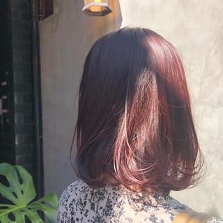 透明感カラー 透明感 カシスレッド ミディアム ヘアスタイルや髪型の写真・画像