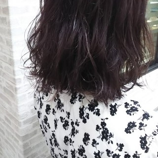 ヘアカラー 夏 ブリーチ パープル ヘアスタイルや髪型の写真・画像
