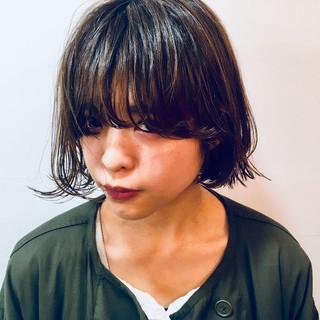 外ハネ 外国人風 パーマ くせ毛風 ヘアスタイルや髪型の写真・画像