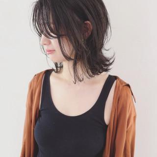 外ハネ 女子力 切りっぱなし ナチュラル ヘアスタイルや髪型の写真・画像