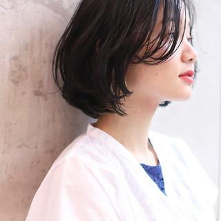 大人かわいい アンニュイほつれヘア ナチュラル ショートボブ ヘアスタイルや髪型の写真・画像