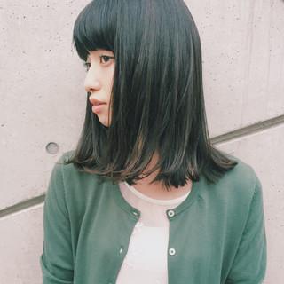 ワイドバング ミディアム ウェットヘア 暗髪 ヘアスタイルや髪型の写真・画像