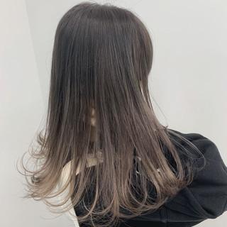 グラデーションカラー 外国人風 グレージュ ミルクティーベージュ ヘアスタイルや髪型の写真・画像